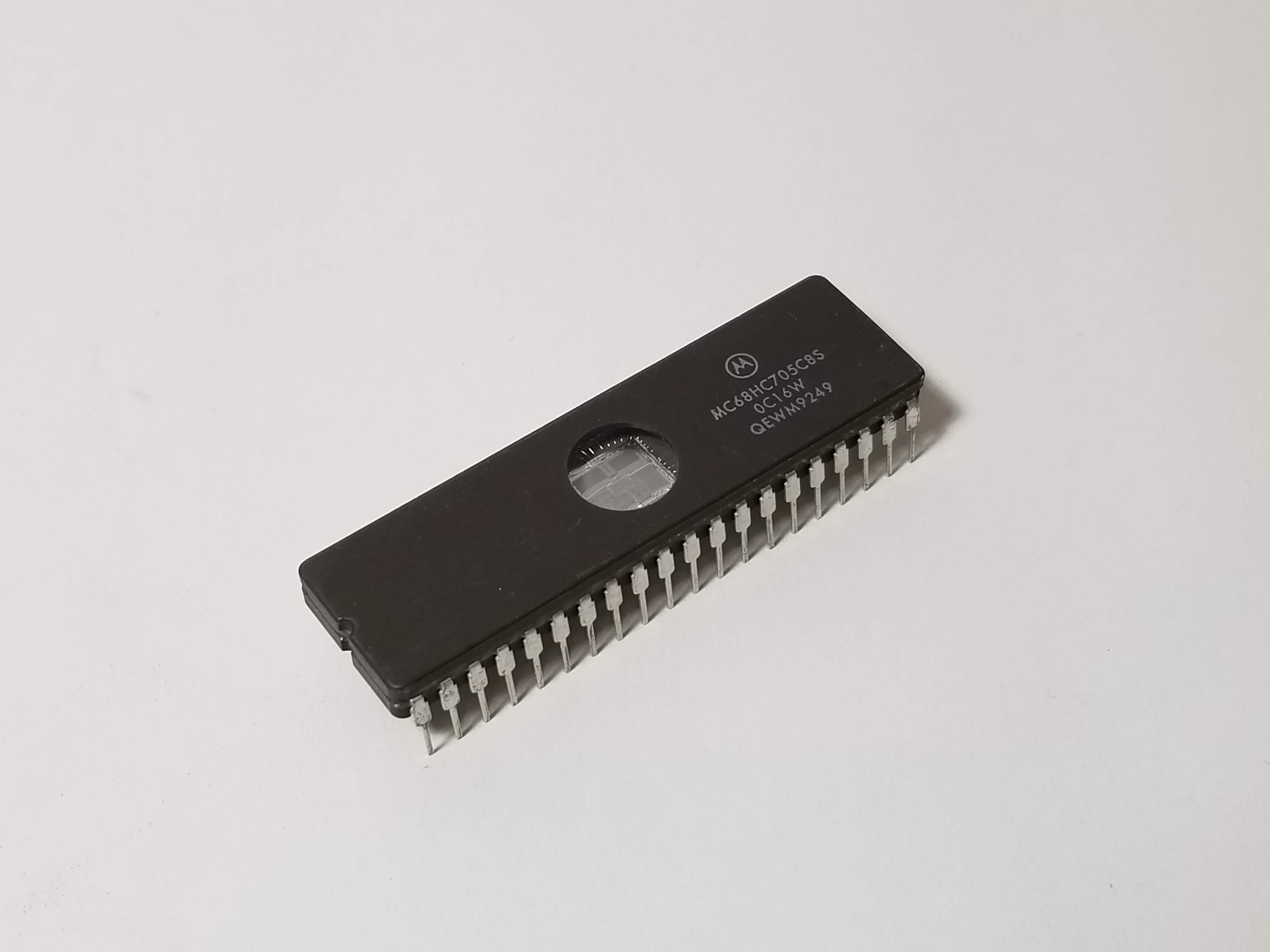 Picture of MC68HC705C8A 8-bit Microcontroller