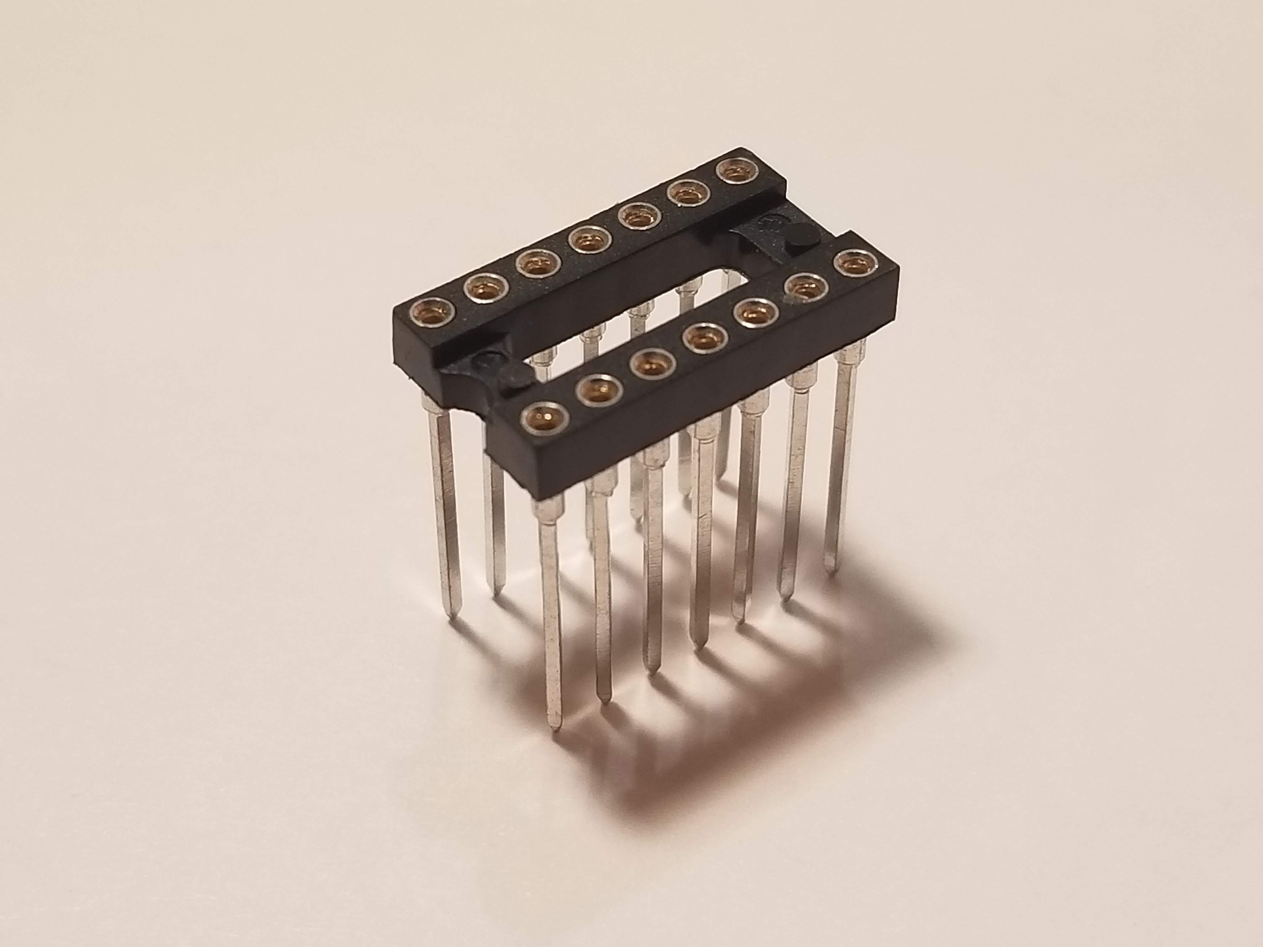 Picture of 14 Pin DIP Socket