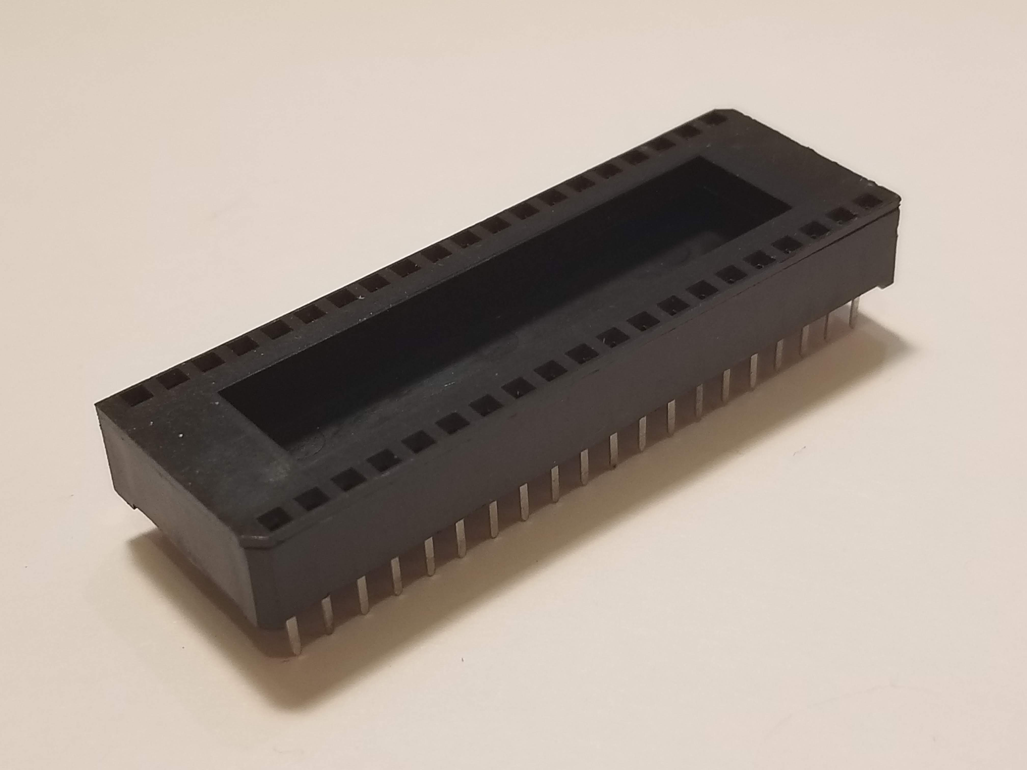 Picture of 40 Pin DIP Socket